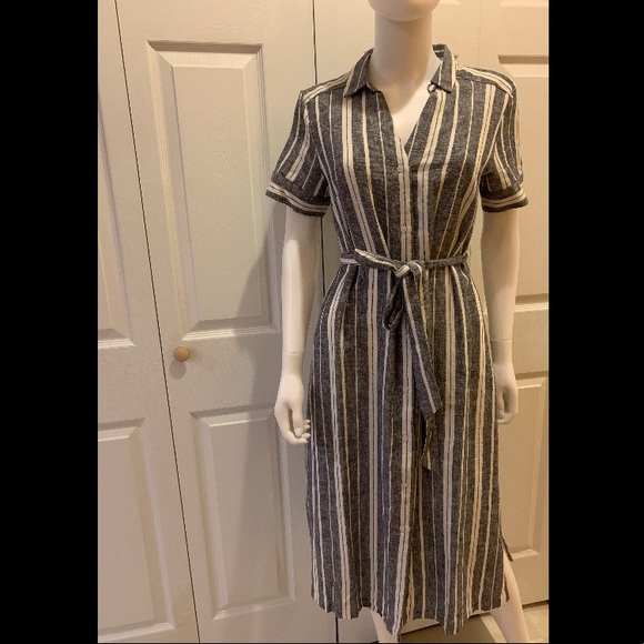 Banana Republic Dresses & Skirts - Banana Republic Shirt-Dress